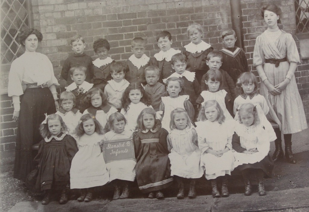 Pupils at Stansted Infants' School, c.1910 (D/DU 2112/2)
